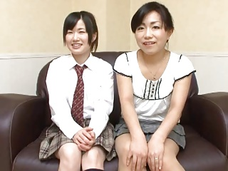 Japanese mom and NOT daughter massage