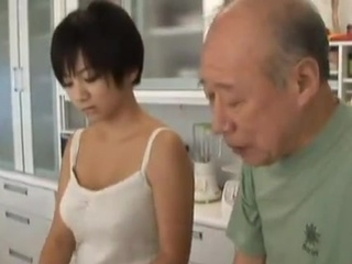Short-Haired Japanese chick Seduces An mature Man And has sex Him